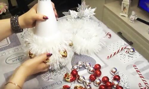 Как оригинально украсить бутылку шампанского на Новый год