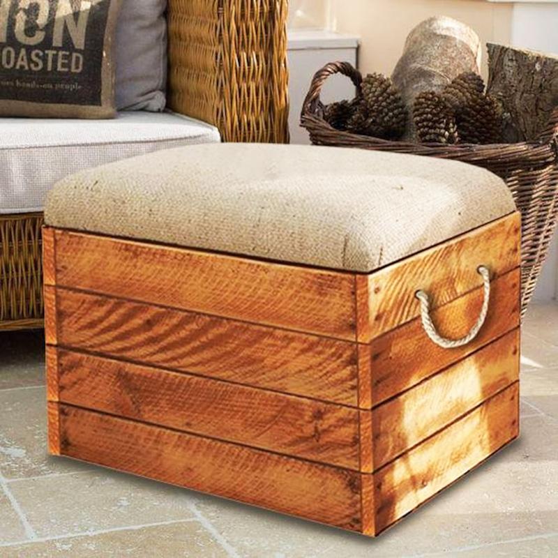 Пуфик из деревянного ящика