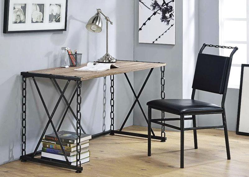 Оригинальный стол с ножками-цепями