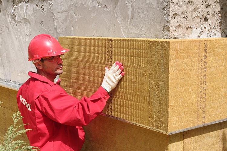 Утепление зданий снаружи предписано правилами и стандартами СНиП