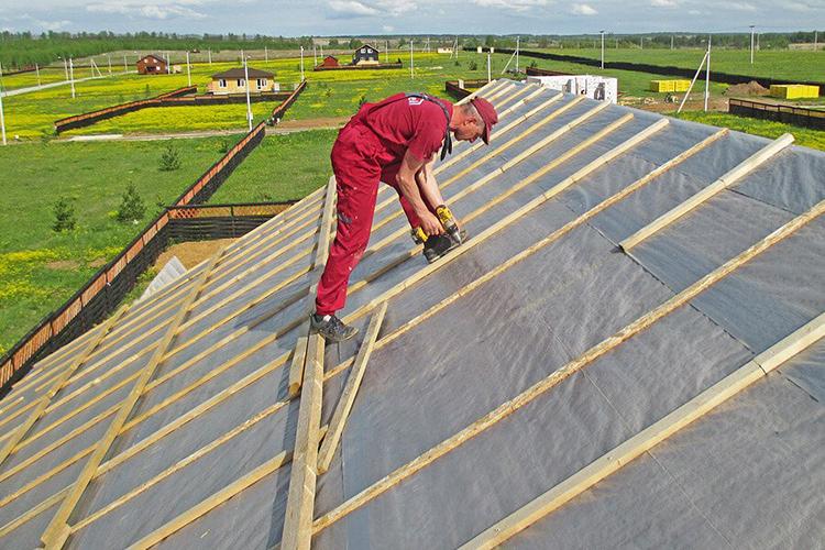 Благодаря теплоизоляции крыши снижается промерзание дома и расходы на обогрев