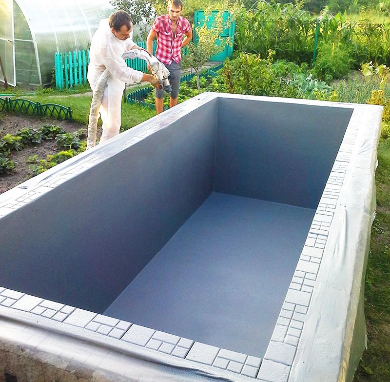 Из панелей можно соорудить даже небольшой бассейн