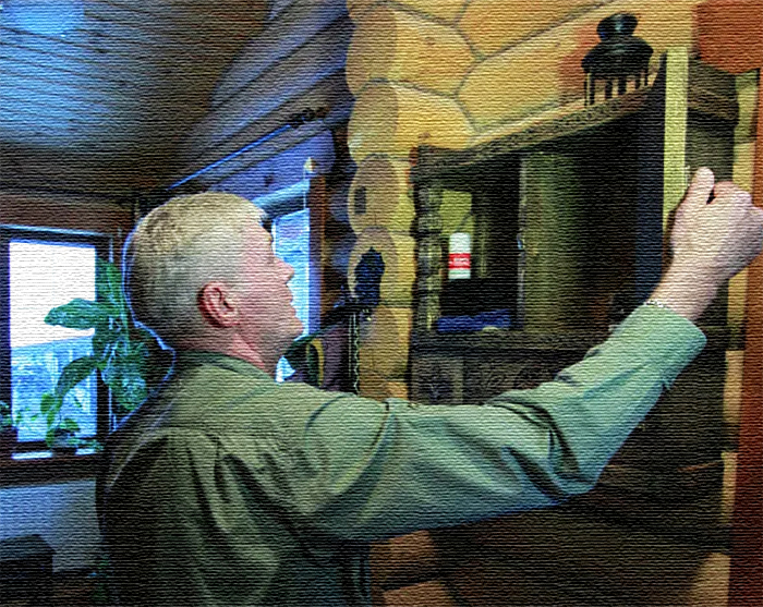 Сегодня этот домик можно назвать настоящим музеем, здесь актёр хранит уникальные старинные предметы