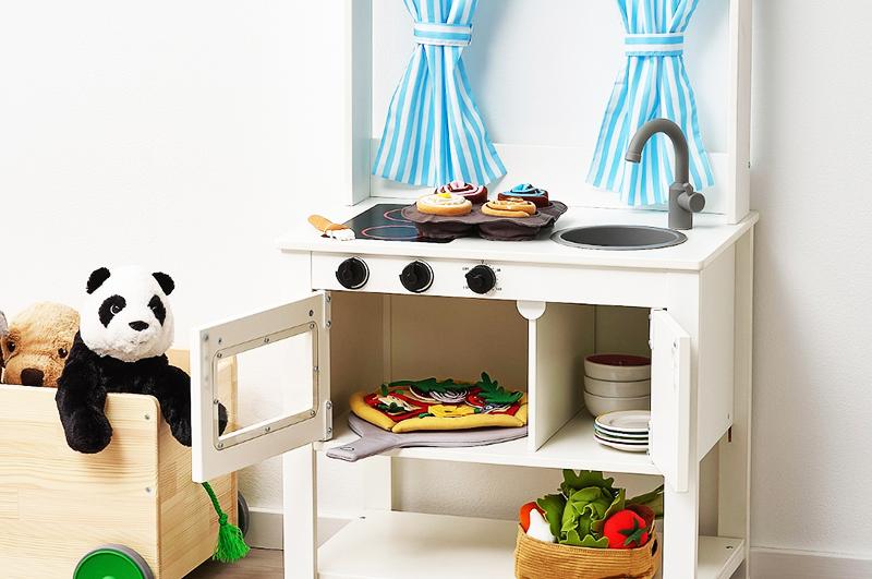 Дополнить картину помогут специальные наборы для игр, к примеру для приготовления пиццы из фетра ДУКТИГ