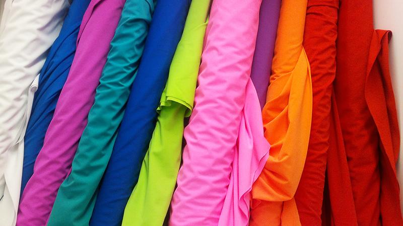 Красота и гипоаллергенность — основные преимущества ткани из вискозы