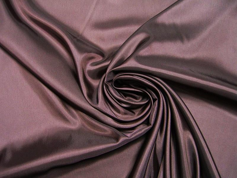 Купра используется для пошива нарядов премиум-класса