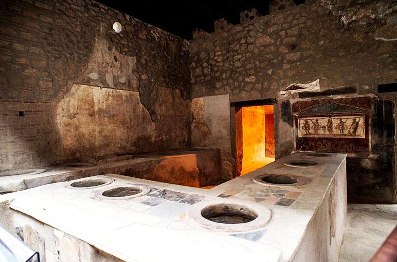 Термополия в Помпеях — прототип барной стойки