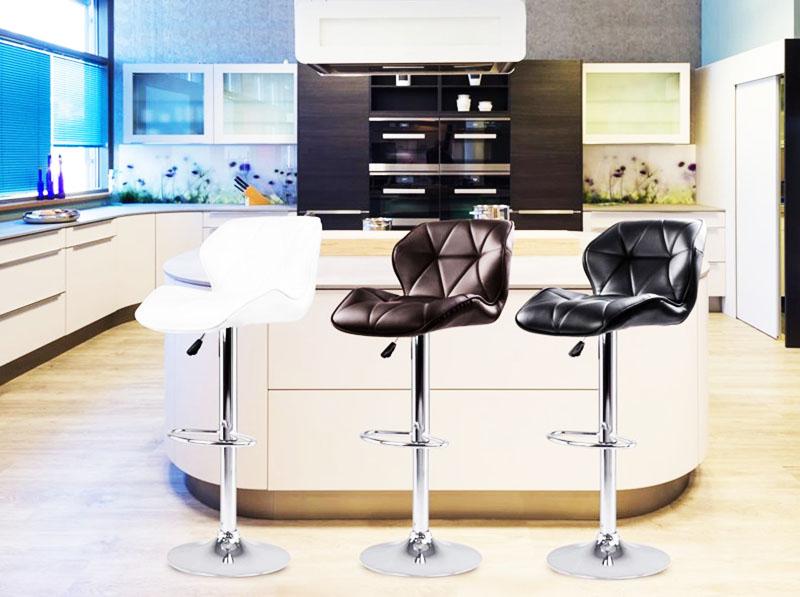 Для домашней стойки лучше выбирать максимально комфортные стулья