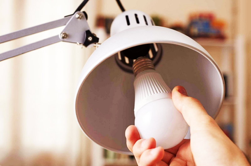 Одно из самых перспективных решений в экологии жилища – использование более долговечных светодиодных ламп (LED)