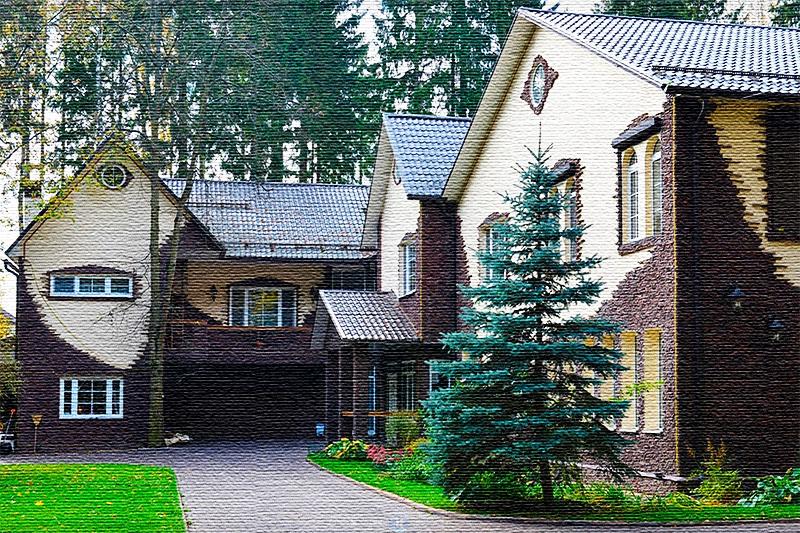 Белоснежный фасад украшен клинкерной плиткой