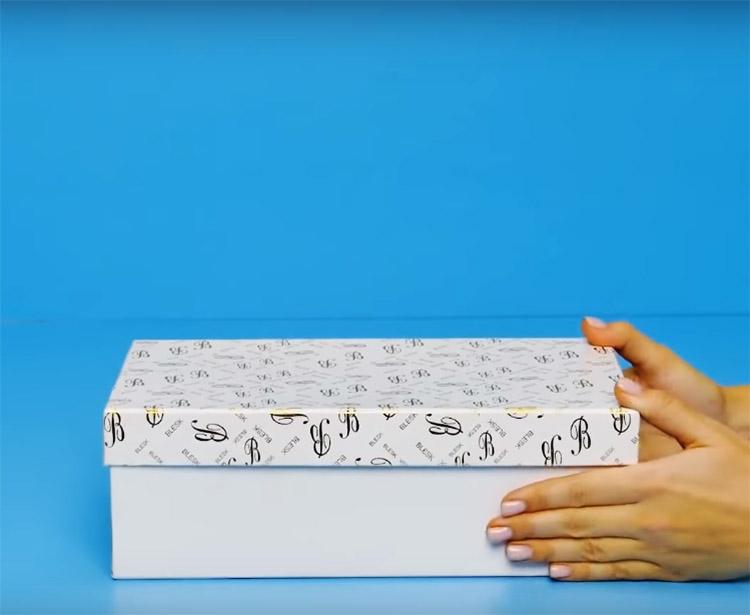 Коробка вам потребуется вся: и основание, и крышка