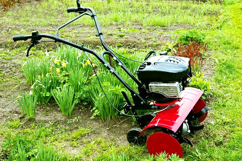 Само по себе устройство имеет простое и понятное строение, включающее двигатель внутреннего сгорания, коробку передач, руль и трансмиссию