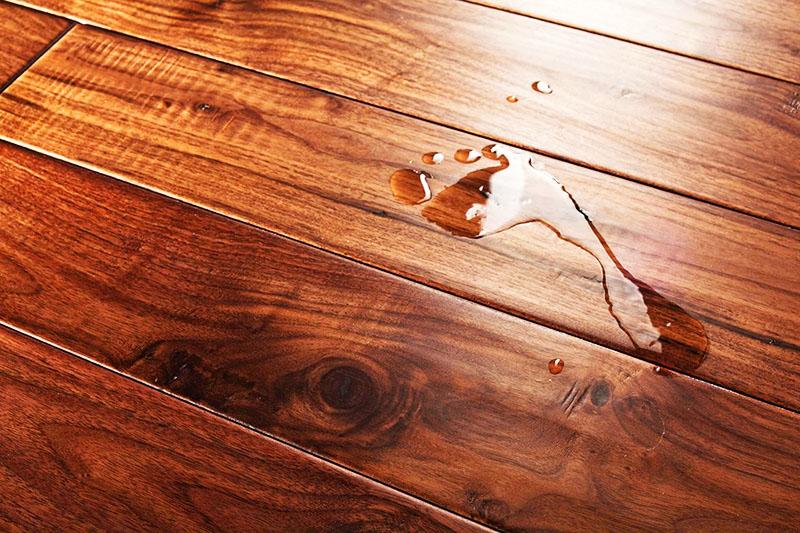 Опасности для деревянного пола