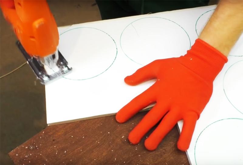 Плоские детали проще всего разрезать электролобзиком