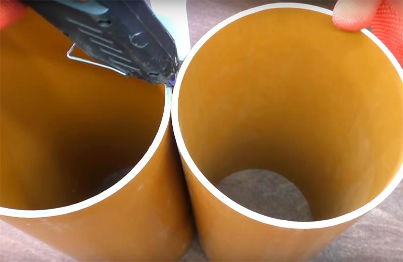 Не жалейте клея, постарайтесь залить его в швы как можно больше, добавьте его сверху и снизу заготовки для надёжности