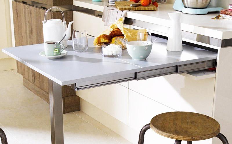 Выдвижной стол, встроенный в гарнитур