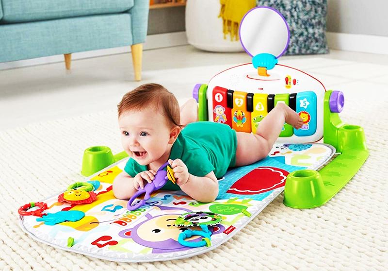 Для интересных игр коврики снабжают карманчиками, молниями из пластика, шнурками и мешочками с разными наполнителями, пуговками