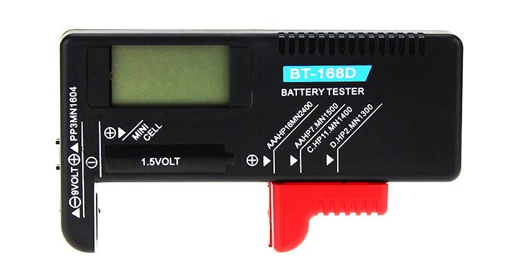 Тестер показывает уровень заряда
