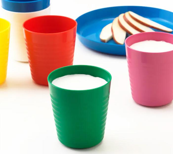 Пластик подобной серии используется в производстве детских бутылочек и сосок, а также контейнеров для продуктов
