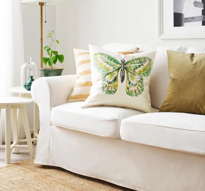 Набор постельного белья моментально перенесет вас в лето, на дачу, подарив ощущение тепла и загородной жизни