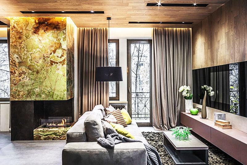 Встроенные светильники словно сливаются с деревянными панелями на потолке