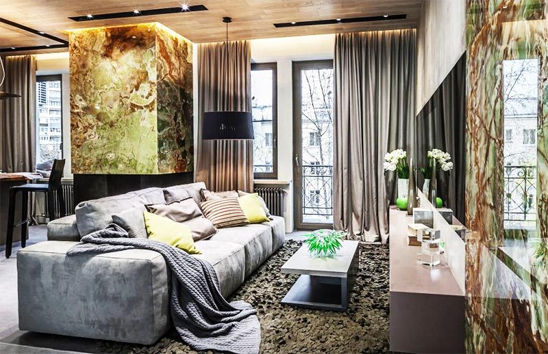 Модульный диван с невысокими подлокотниками располагает к комфортному отдыху и просмотру телевизора
