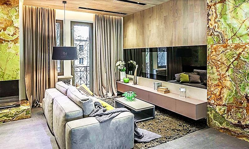 Однотонные шторы изо льна прекрасно вписались в футуристический дизайн гостиной