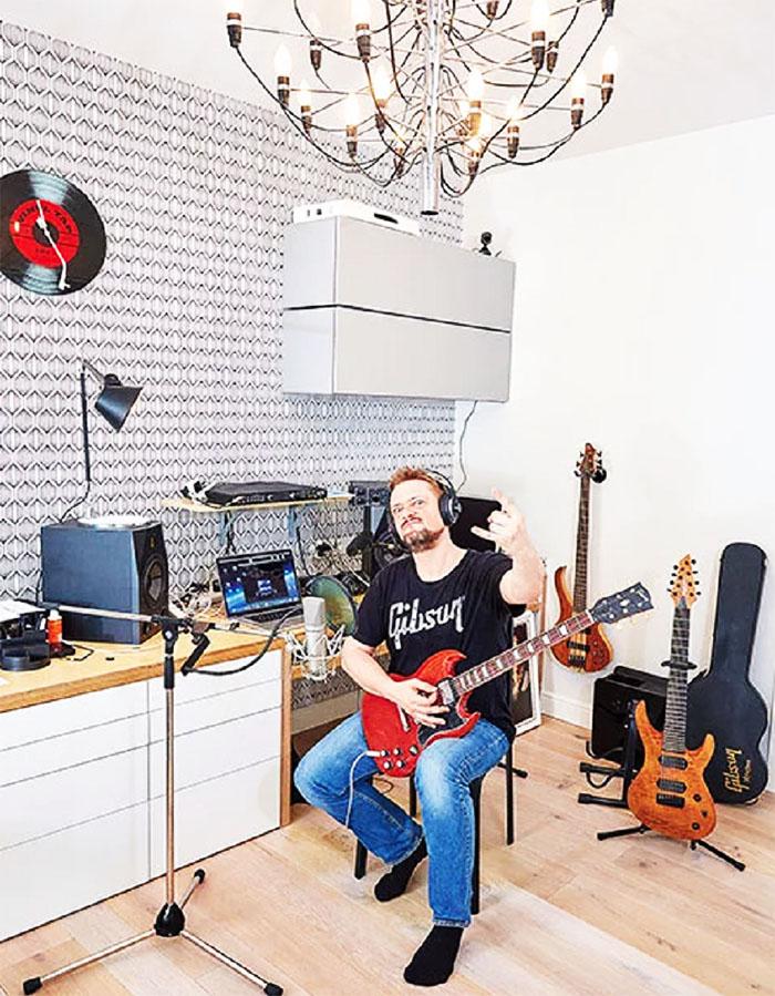 Рабочее пространство Александра Пушного
