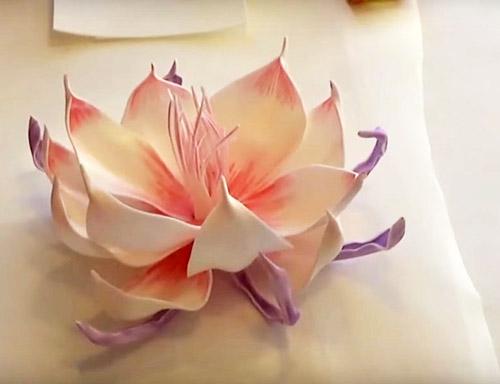 Цветы из изолона для украшения интерьера - фото шедевров