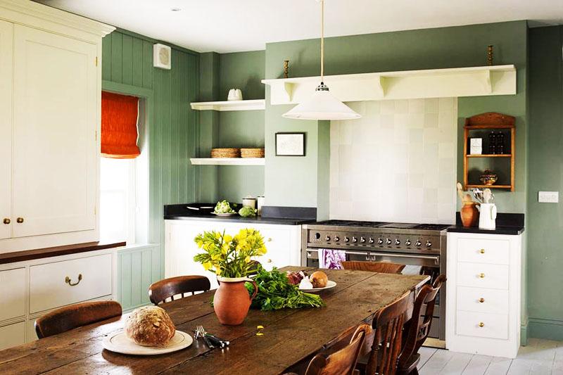 Кухня в зелёных тонах