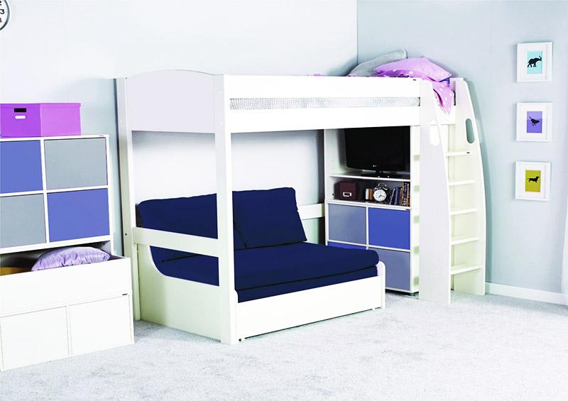 Кровати-чердаки с диваном внизу могут иметь самую различную конфигурацию