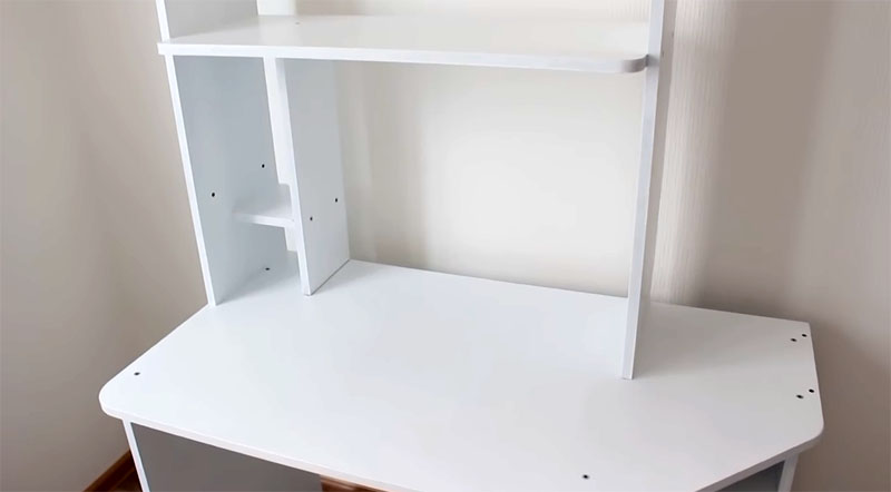 Детали просохли, стол собран, можно двигаться дальше