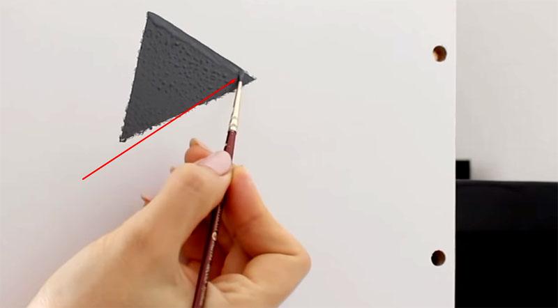 После того как плёнка отклеена, рисунок придётся править вручную