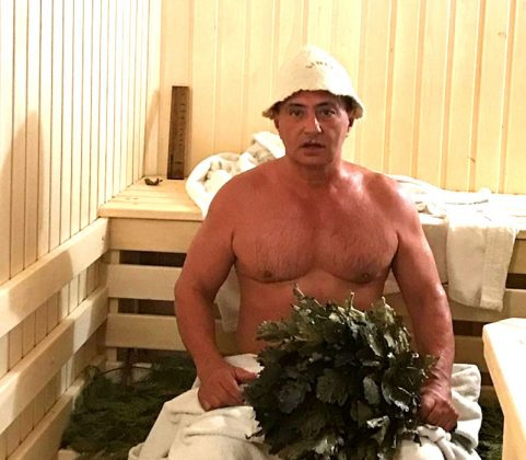 Доктор Мясников рассказал, где живёт во время карантина