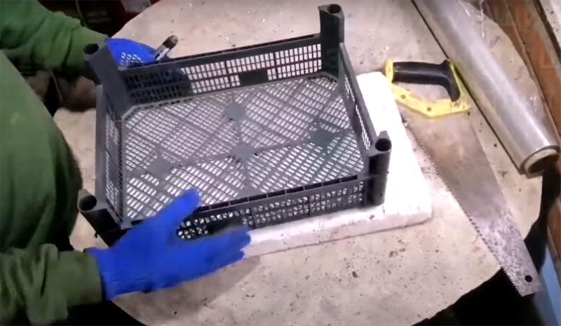 Форма для плитки из овощного ящика