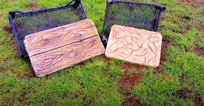 Вот так, с помощью обычного пластикового ящика вы можете сделать 2 вида тротуарной плитки для своего участка
