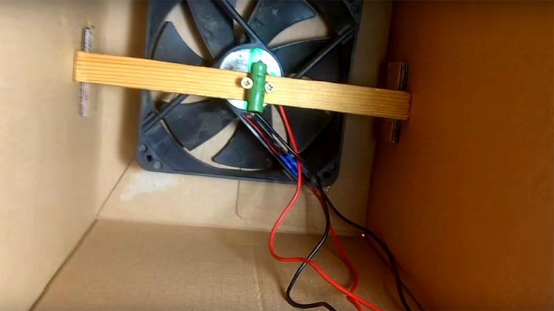 Теперь резистор расположен над вентилятором, он тоже будет охлаждать от движения воздуха