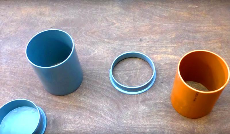 Из материалов вам ещё потребуются куски канализационной трубы соответствующего отверстию диаметра, уплотнительные кольца и заглушка