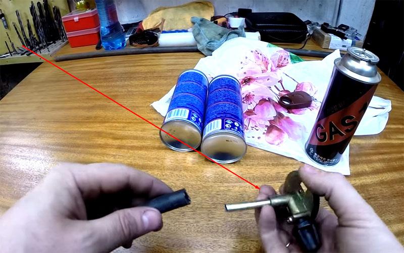 Деталь от газовой горелки прекрасно послужит для перекачки «голубого топлива»