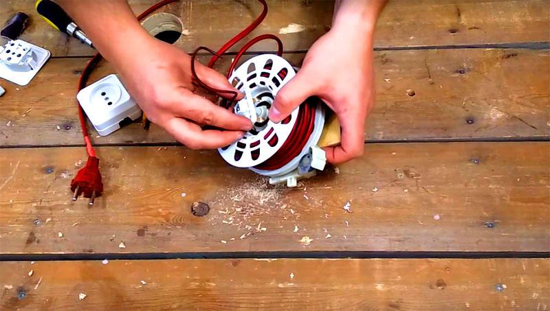 После этой процедуры катушку можно собрать и вернуть на место контактную группу с проводами для подключения