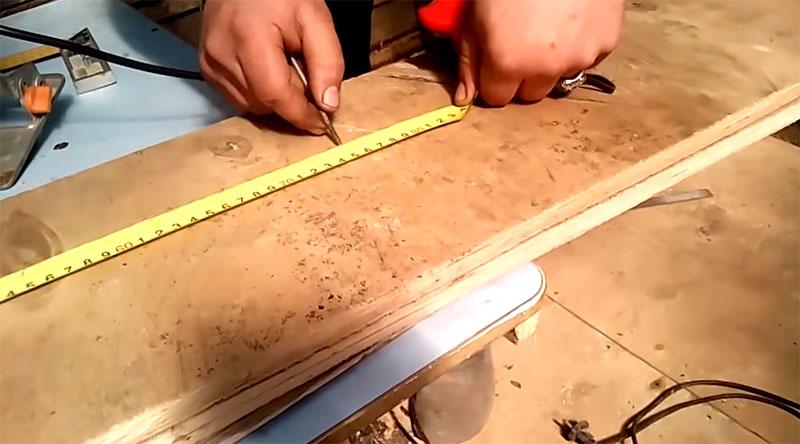 Складные строительные козлы из обрезков фанеры на дачу