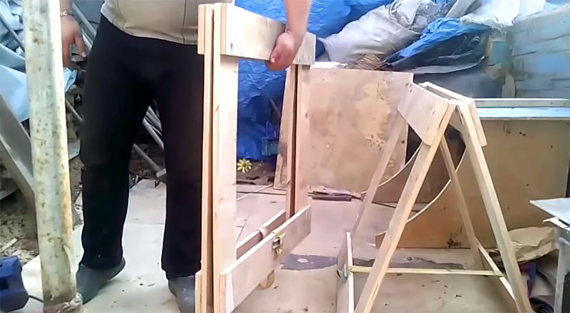 В сложенном виде строительные козлы практически не занимают места