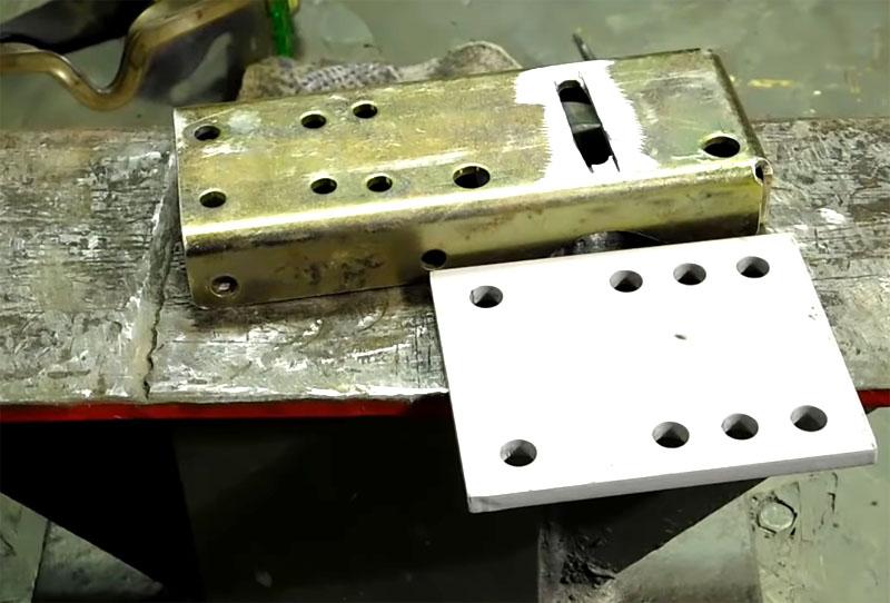 Вот такие стальные детали необходимы для изготовления кронштейна