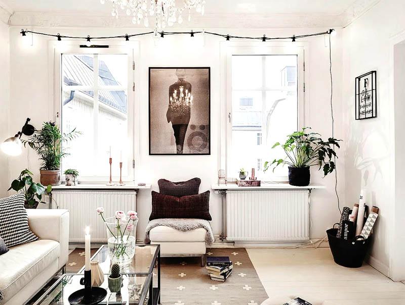 Диван подсвечивает необычный дизайнерский светильник в виде прожектора