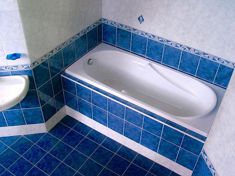 Как закрепить ванну на ножках на кафельном полу