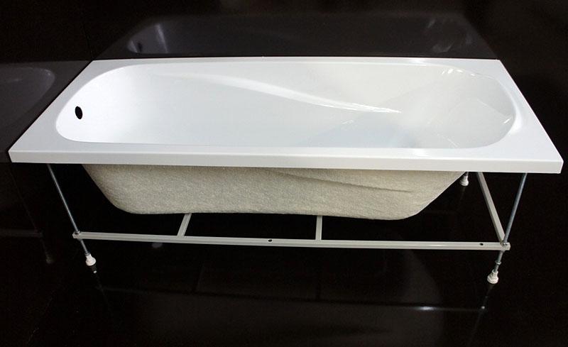 Для акриловых ванн предусмотрены специальные монтажные комплекты, предотвращающие деформацию чаши