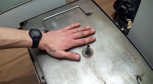 Деликатесы каждый день: делаем своими руками коптильню горячего копчения