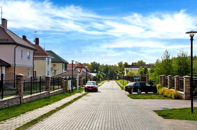 Александр Градский с молодой женой-красавицей Мариной Коташенко показали свою стильную квартиру в Москве