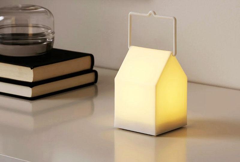 Мягкий свет создает в комнате уютную и располагающую атмосферу
