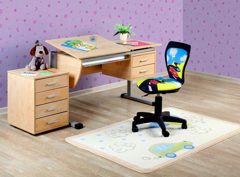 Главное, правильно выбрать стол для ребёнка